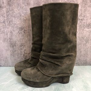 Marchez Vous green wedge suede boots size 10